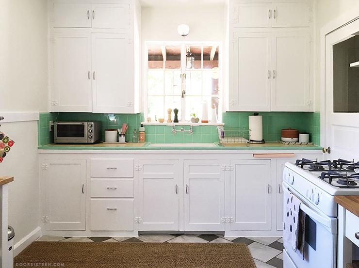 vintage kitchen kitchen makeover - doorsixteen.com XSWPWNK