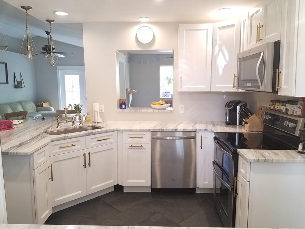 white kitchen cabinets thompson white KJQWGMY