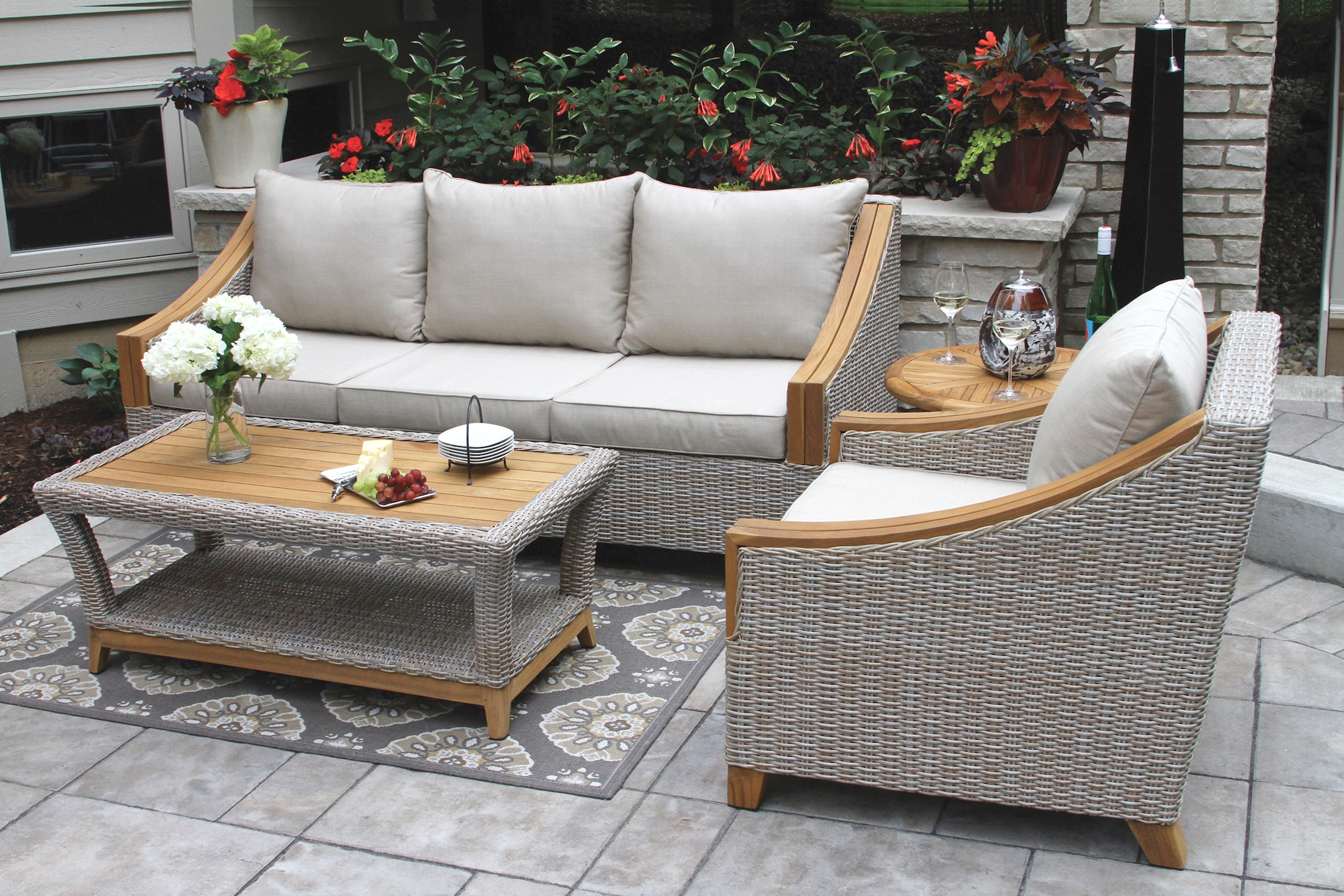wicker furniture tna7000- wicker u0026 natural teak sofa with sunbrella cushions u0026 pillows HQVJXMZ