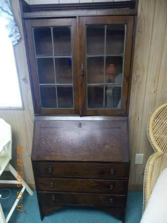 Late 1800's Secretary Desk/Cabinet/Hutch/Bookcase - Picture of Wagon