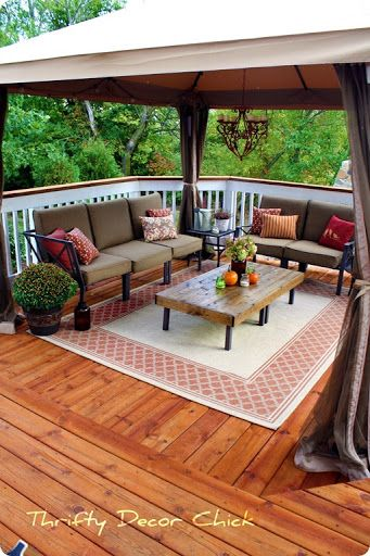 square deck decorating ideas !!! like curtain on posts