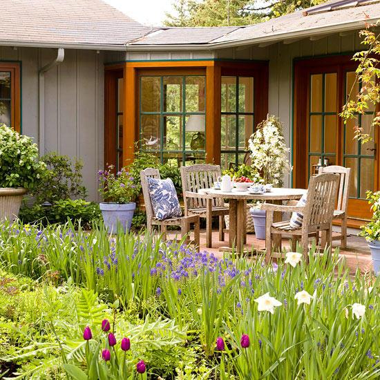 Seven Tips for Landscape Design for Beginners | Better Homes & Gardens