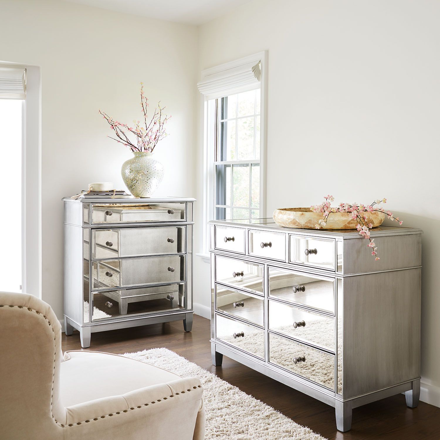 Hayworth Collection Mirrored Silver Chest & Dresser Bedroom Set