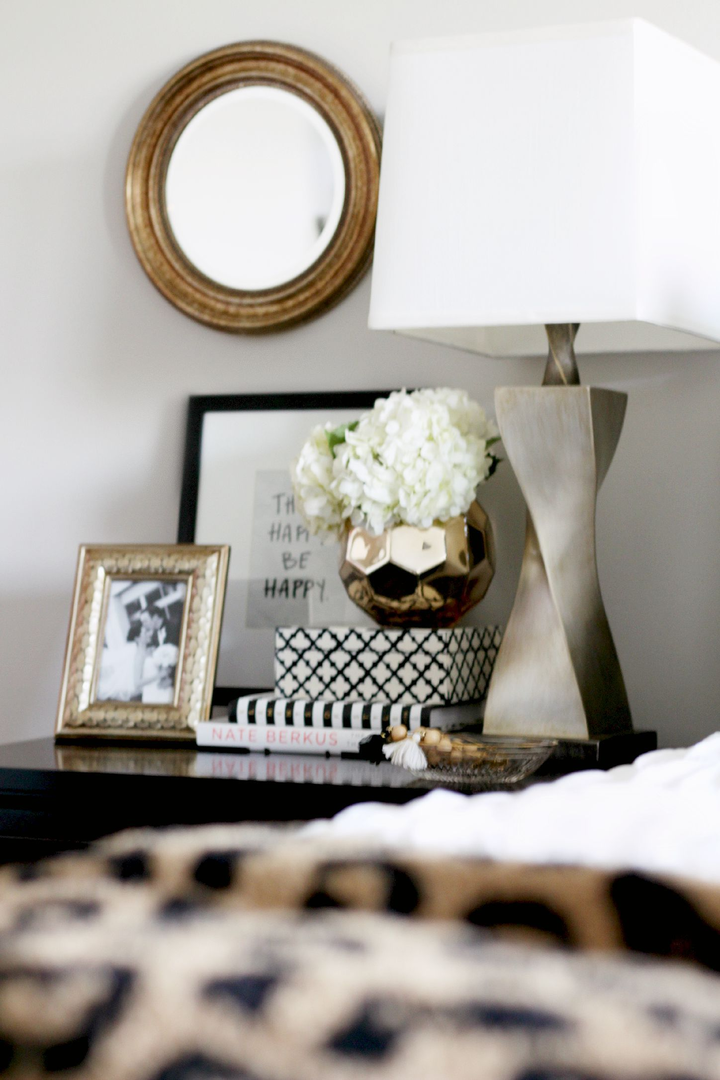 Style your bedroom nightstand decor ideas in a chic way