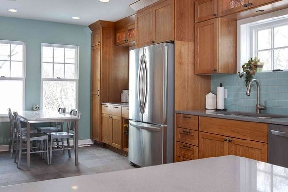 5 top wall colors for kitchens with oak cabinets, kitchen design, paint  colors, painting, wall decor, This kitchen with Amber toned cabinets and  stainless