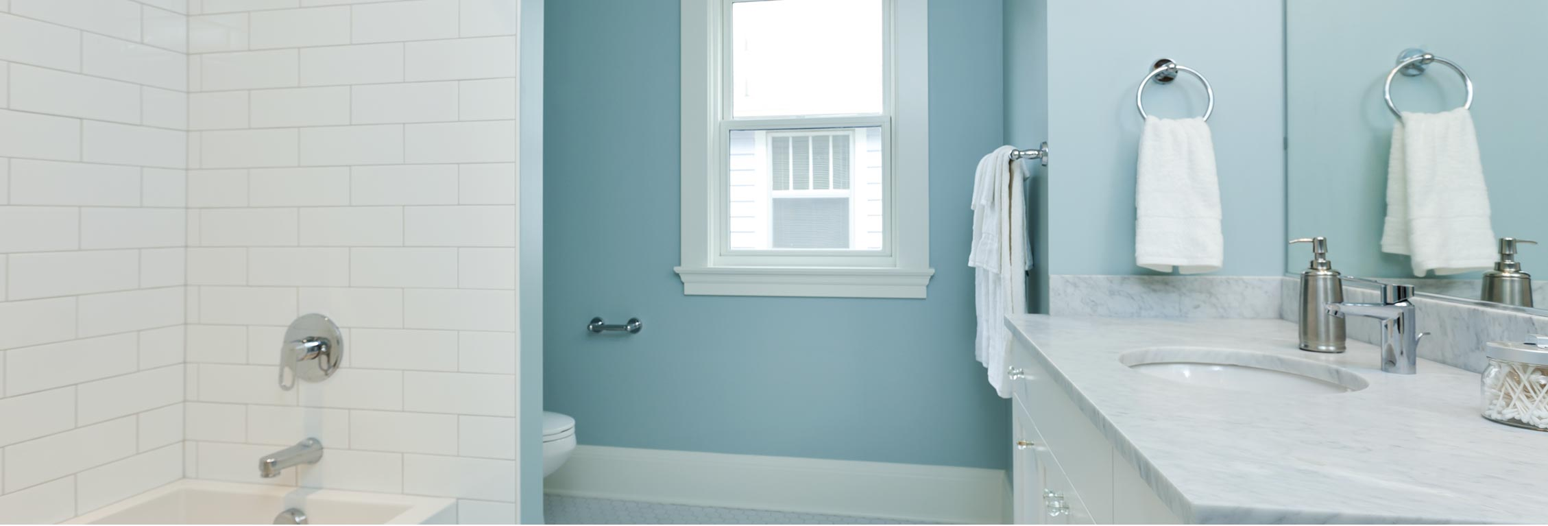 Best Colors to Use in a Small Bathroom - Home Decorating & Painting Advice