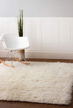 How to buy a modern flokati wool rug for   your living room?