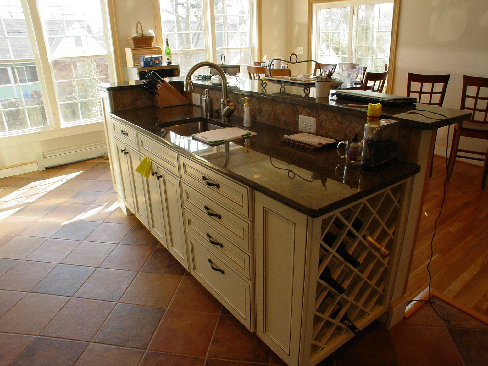 Kitchen Island With Sink And Seating