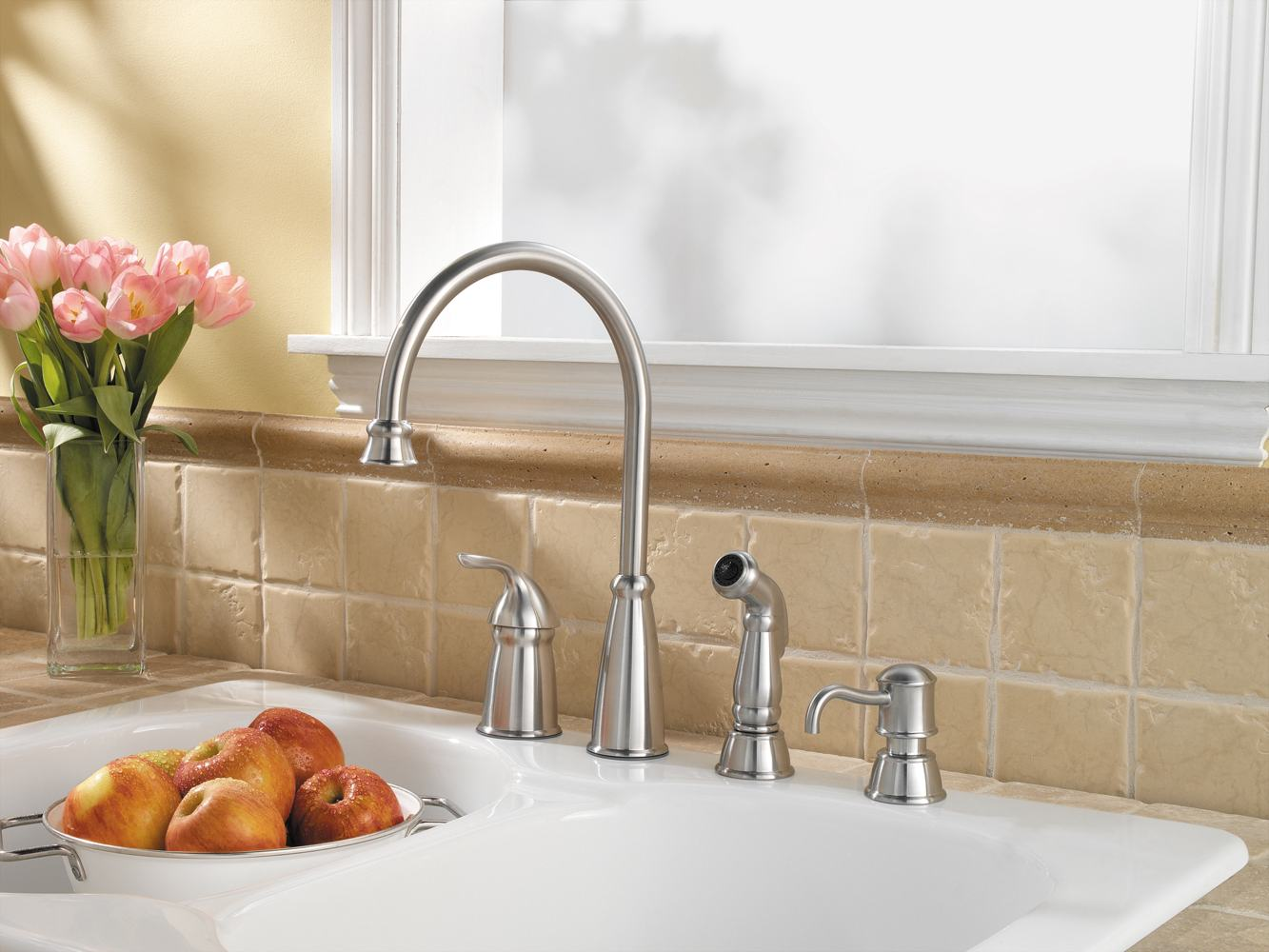 Kitchen sink faucets with soap dispenser : things you should know