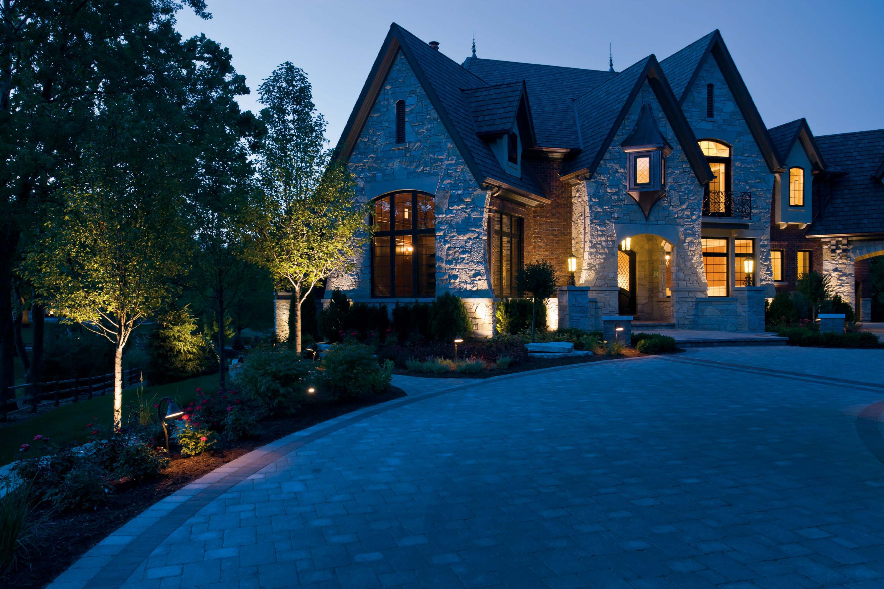 Led outdoor landscape lighting to enhance   the beauty of your house