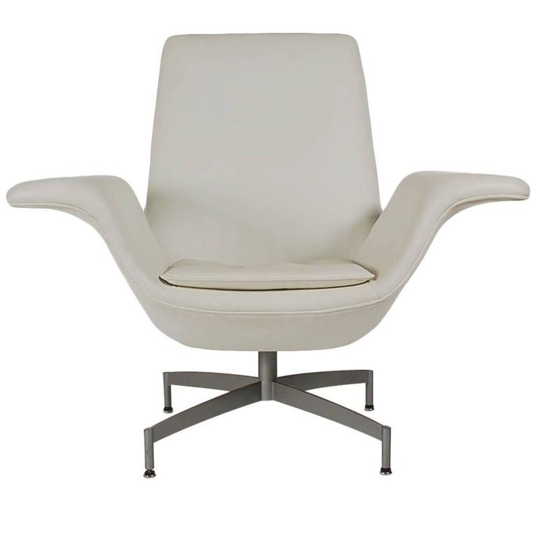 Mid-Century Modern Dialogue HBF Swivel Lounge Chair in White Leather For  Sale