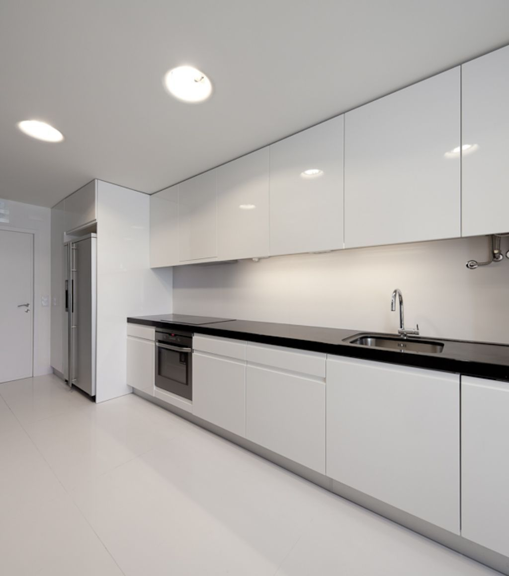 nice-contemporary-white-kitchen-with-white-modern-apartment-kitchen -decoration-home-design-inspiration
