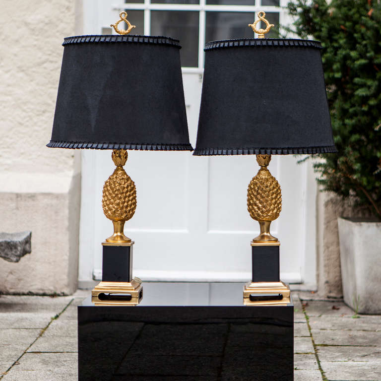 Pair of Hollywood Regency Style Pineapple lamps France 1970. Metal Base  gold painted base with