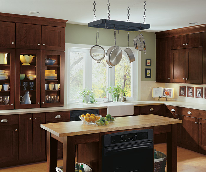 Shaker style kitchen cabinets in Cherry Henna finish