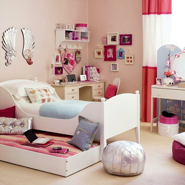 Beautiful teenage girls bedroom decor