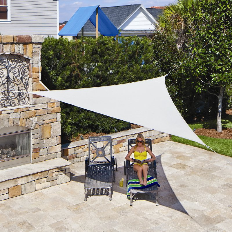 Use your modern triangle shade sail in   your lawn