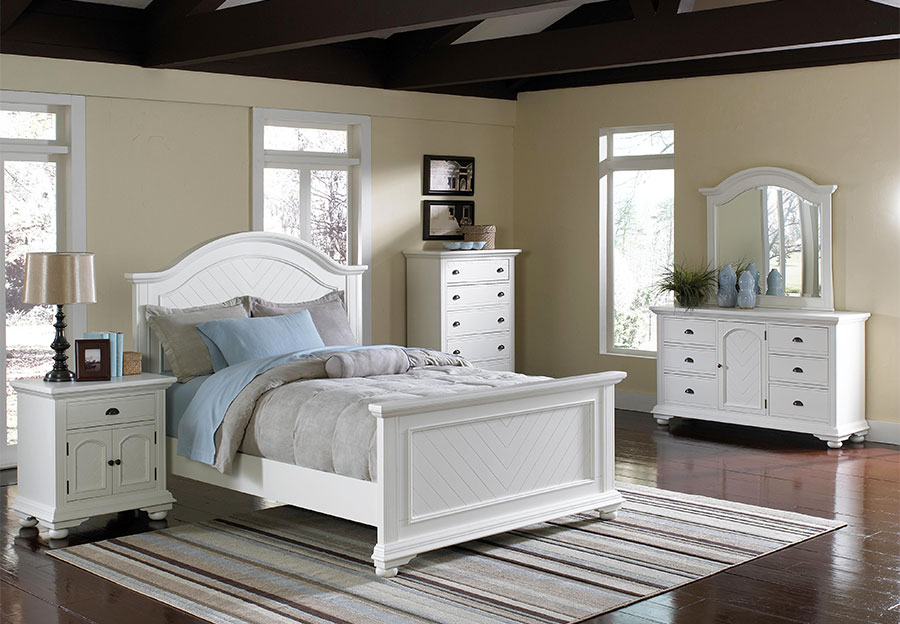 Elements Brook White Queen Headboard, Footboard, Rails, Triple Dresser,  Mirror, and
