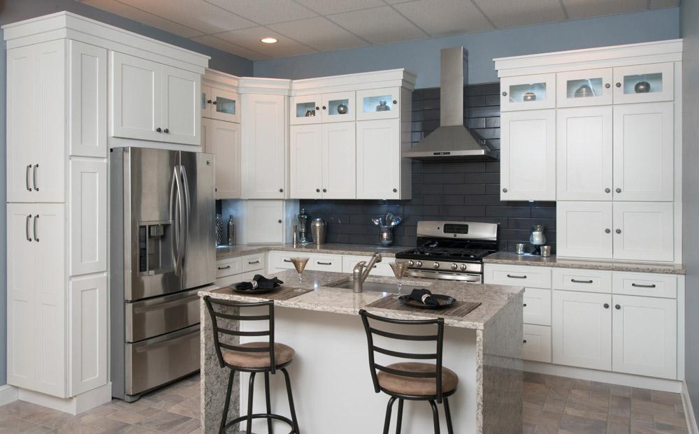White shaker kitchen cabinets for fresh   kitchen