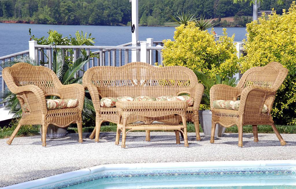 Wicker Furniture Set (Click to Enlarge)