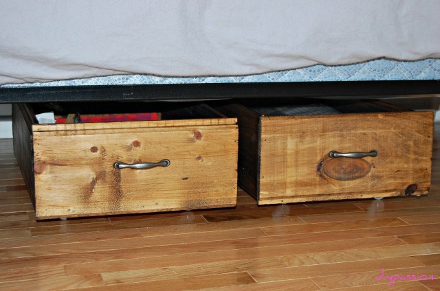 Remodelaholic | Build Your Own Rolling Under-Bed Storage Crates